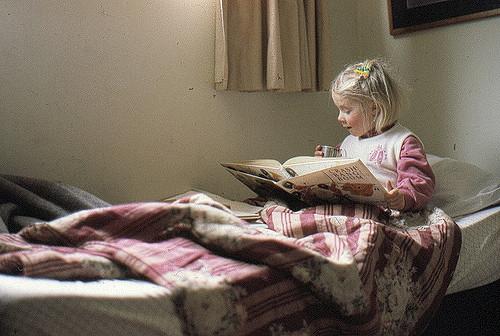 Sebastien Lienard-Boisjoli. Joy of reading. Flickr CC.